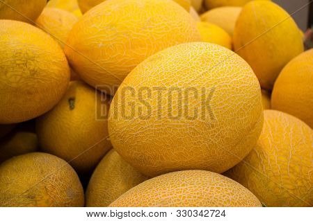 Melons In Market , Cantaloupe Melons Background, Cantaloupe Melon. Rock Melon Sell In The Market