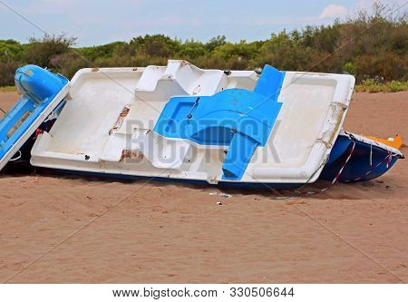 Destroys Boats On The Beach After The Hurricane