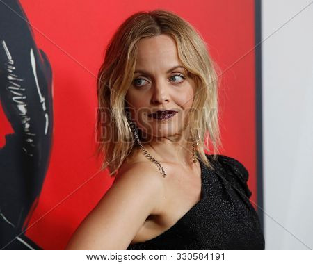 LOS ANGELES - OCT 26:  Mena Suvari at the