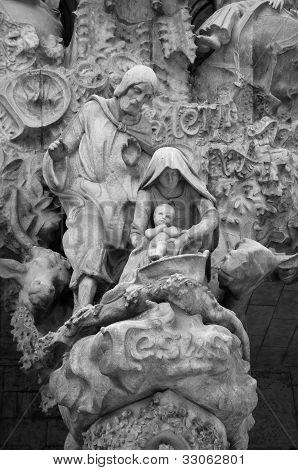 Holy Family sculpture at Sagrada Familia