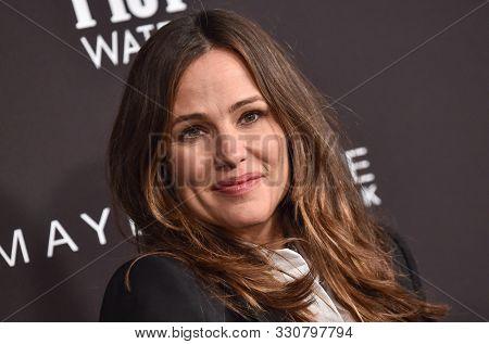 LOS ANGELES - OCT 21:  Jennifer Garner arrives for the 2019 InStyle Awards on October 21, 2019 in Los Angeles, CA