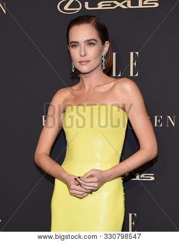LOS ANGELES - OCT 14:  Zoey Deutch arrives for the ELLE Women in Hollywood on October 14, 2019 in Westwood, CA