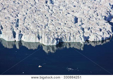 Advanced glacier calving in the Arctic Ocean