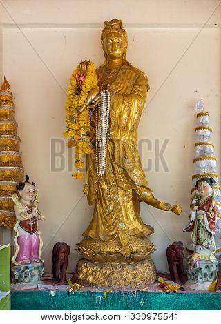 Ko Samui Island, Thailand - March 18, 2019: Wat Phra Yai Buddhist Temple On Ko Phan. Golden Guan Yin
