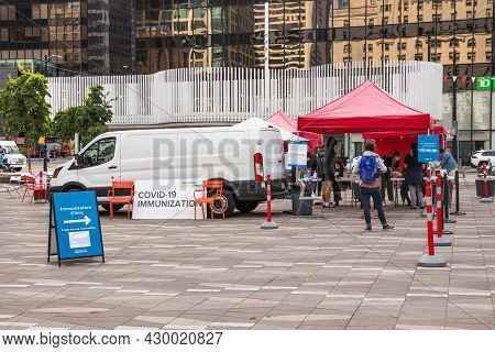 Vancouver, Canada - August 9,2021: People Are Lining Up To Get A Covid-19 Vaccine At The Pop-up Vacc