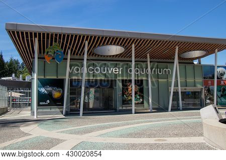 Vancouver, Canada - August 11,2021: View Of Entrance Of Vancouver Aquarium In Stanley Park