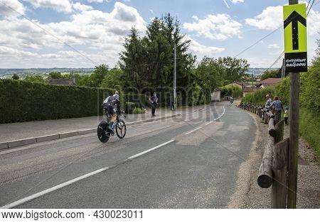 Bourgoin-jallieu, France - 07, May, 2017: The German Cyclist Christian Knees Of Team Sky Riding Duri