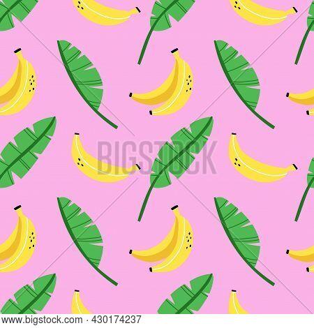Banana Seamless Pattern. Exotic Tropical Fresh Fruit, Whole And Sliced, Bananas Peel, Cartoon Minima