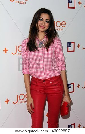 LOS ANGELES - MAR 7:  Noureen DeWulf arrives at the introduction of Joe Fresh at JCP at the Joe Fresh at JCP Pop Up Store on March 7, 2013 in Los Angeles, CA