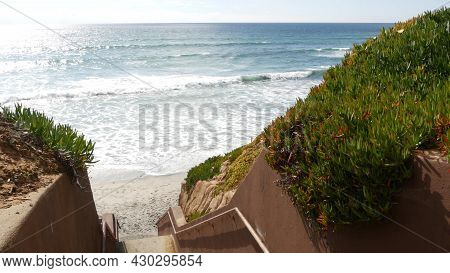 Stairs, Beach Access In Carlsbad, California Usa. Coastal Stairway, Pacific Ocean Waves And Succulen