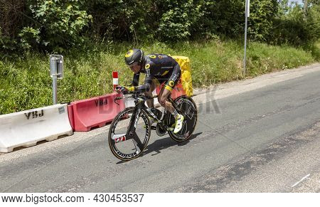 Bourgoin-jallieu, France - 07, May, 2017: The French Cyclist Thomas Voeckler Of Direct Energie Team