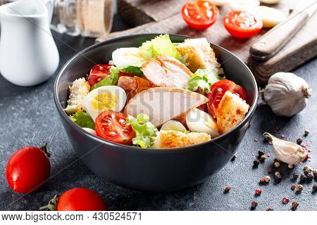 Chicken Salad. Chicken Caesar Salad. Caesar Salad With Smoked Chicken On A Plate. Grilled Chicken Br