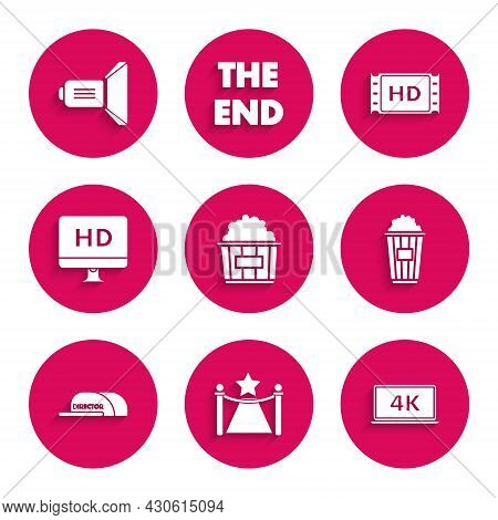 Set Popcorn In Cardboard Box, Carpet With Barriers And Star, Laptop Screen 4k Video Technology, Cap