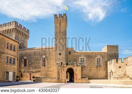 Salon De Provence, France - June 26,2021 - View At The Courtyard Of Emperi Castle In Salon-de-proven