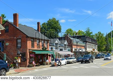 Concord, Ma, Usa - Aug. 20, 2014: Historic Buildings On Main Street In Historic Center Of Concord, M