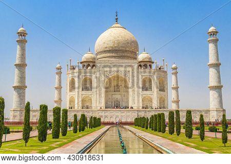 Taj Mahal In Agra India Mogul Marble Mausoleum And Panorama Of The Famous 17th Century Symmetrical G