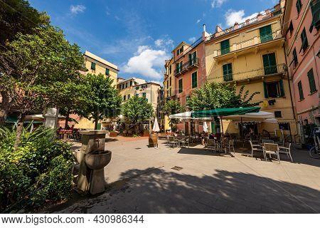 Monterosso Al Mare, Italy - July 8, 2021: Small Square With Restaurants And Bars In Downtown Of Mont