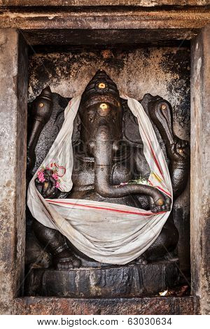 THANJAVUR, INDIA - FEBRUARY 13, 2013: : Ganesh statue in Hindu temple. Brihadishwarar Temple, Thanjavur, Tamil Nadu, India