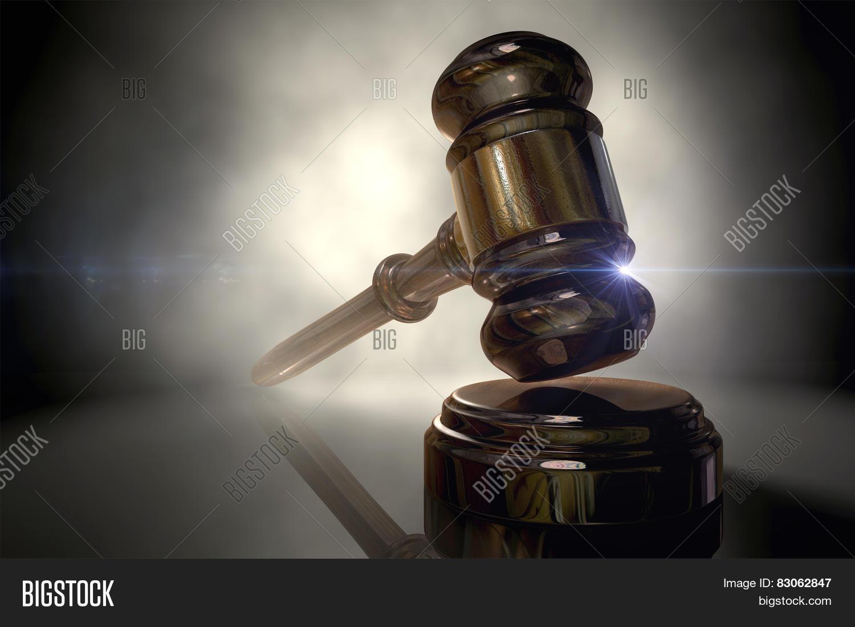 Justice gavel image photo bigstock for Donazioni immobili ai figli