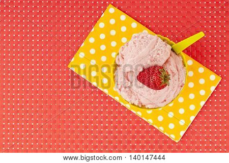 image of top view strawberry ice cream