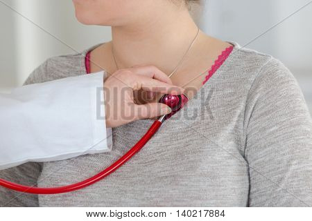 close up heartbeat monitoring in hospital