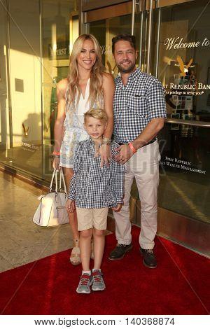 LOS ANGELES - JUL 27:  Naomi Lowde-Priestley, Dashell Priestley, Jason Priestley at the