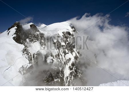 view of monte rosa from vincent pyramid