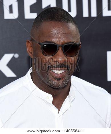 LOS ANGELES - JUL 20:  Idris Elba arrives to the