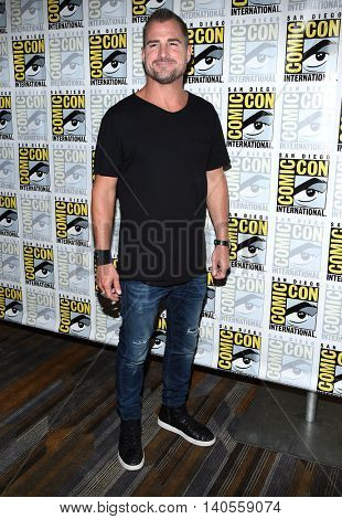 LOS ANGELES - JUL 22:  George Eads arrives to the Comic Con 2016 - CBS PhotoCall on July 22, 2016 in San Diego, CA