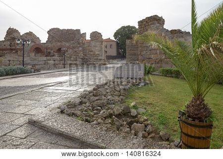 Nessebar, Bulgaria, Juny 20, 2016: Nessebar, Bulgaria, Juny 20, 2016: Main Entrance Of Town Of Nesse