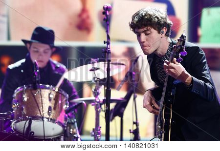 NEW  YORK-NOV 13:Noah Sierota (R) and Graham Sierota perform at VH1's 'You Oughta Know Concert' in New York City. Anthony Criss, better known by his stage name Treach, is an American rapper and actor