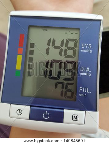 Hight blood pressure digital monitor by home