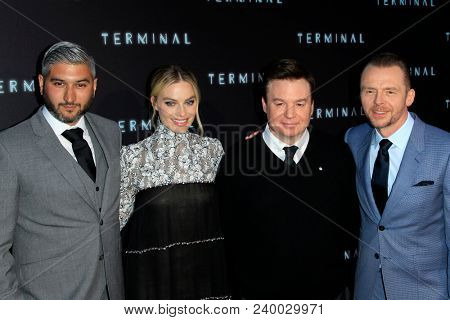 LOS ANGELES - MAY 8:  Vaughn Stein, Margot Robbie, Mike Myers, Simon Pegg at the