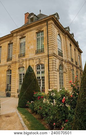 Paris, France - July 11, 2017. Rodin Museum Building And Gardens On Cloudy Day In Paris. Known As Th
