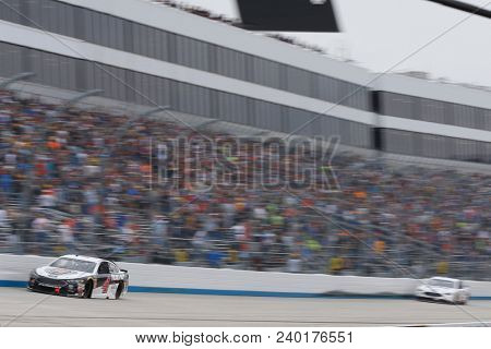 May 06, 2018 - Dover, Delaware, USA: Kevin Harvick (4) brings his race car down the front stretch during the AAA 400 Drive for Autism at Dover International Speedway in Dover, Delaware.