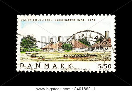 Denmark - Circa 2002 : Cancelled Postage Stamp Printed By Denmark, That Shows Danish Houses .
