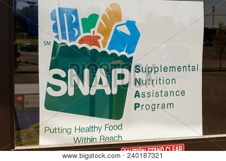 Peru - Circa May 2018: A Sign At A Retailer - We Accept Snap Iv