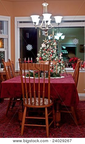 Vertical Dining Room At Christmas