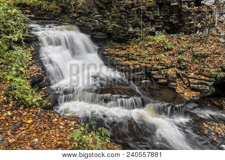 Upper Mohican Falls