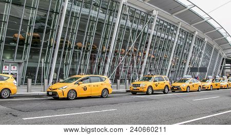 Waiting Nyc Taxis