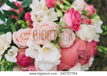 Bouquet Of Flowers. The Bride's Bouquet. Bridal Bouquet. Floristics. Wedding Rings.