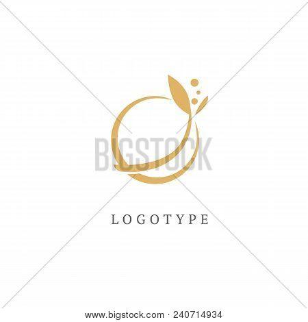Nature Sign Illustration. Luxury Retro Emblem. Cosmetics, Spa, Beauty Salon, Decoration Boutique Vec