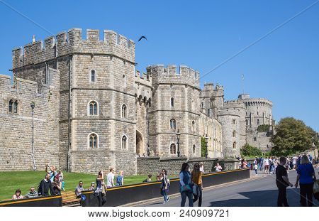 Windsor, Uk - May 5, 2018: View At The Medieval Windsor Castle, Built 1066 By William The Conqueror.