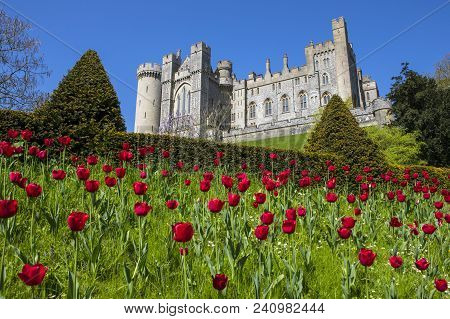 Arundel, Uk - May 5th 2018: A View Of The Magnificent Arundel Castle, Located In The Historic Market
