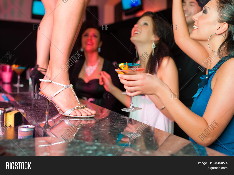 Пьяные жены на корпоративе, Пьяная девушка на корпоративе - поиск по лучшим 28 фотография