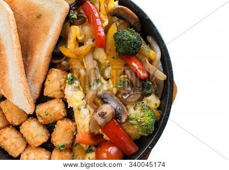 Summer Veggie Skillet. Vegetable Brunch With Toasted Bread,hash Brown,broccoli.