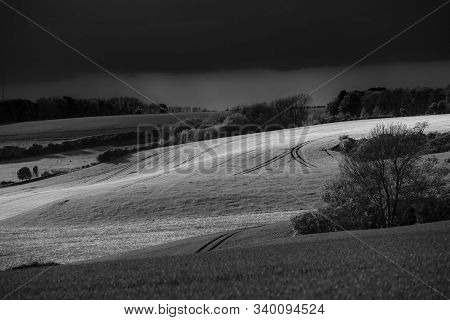 Lincolnshire Wolds, East Midlands, Uk, May 2019, View Of The Lincolnshire Countryside In Black And W