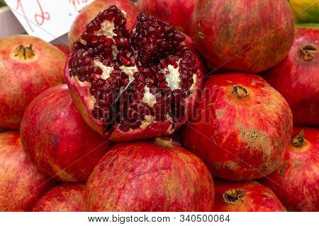 Jerusalem, Israel / 16 Dec 2019: Fresh Pomegranates (also Known As  Jewish New Year Fruits) For Sale