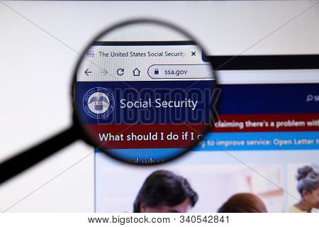 Los Angeles, California, Usa - 19 December 2019: Social Security Website Page. Ssa.gov Logo On Displ