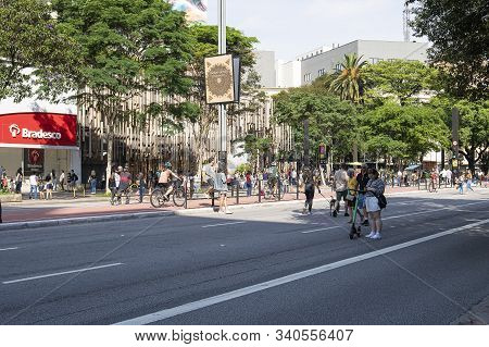 Sao Paulo - Sp, Brazil - November 17, 2019: Paulista Avenue On Sunday Open For People. Avenue Free F
